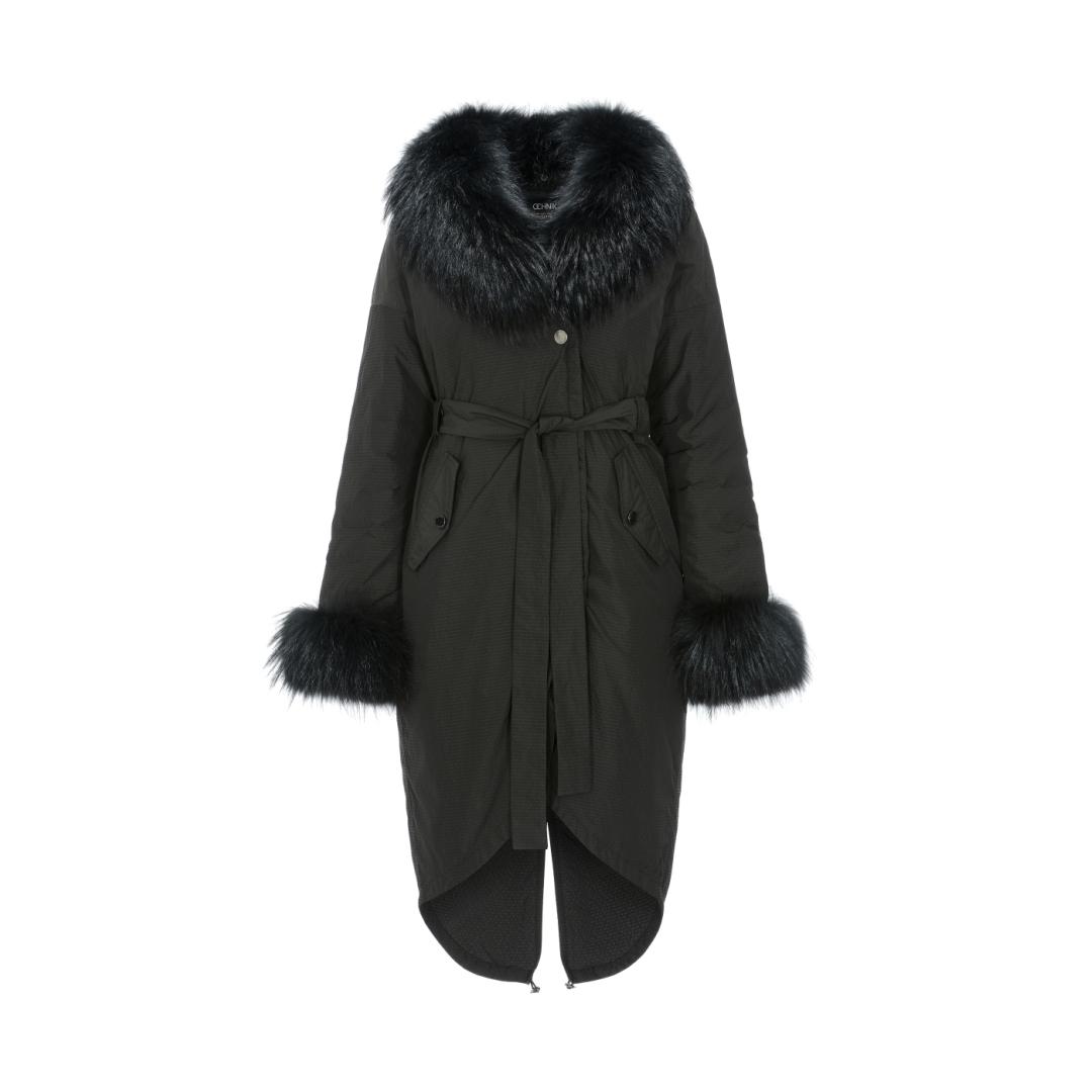 Długa  zimowa  kurtka  damska  z  paskiem